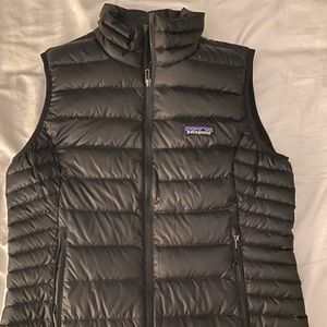 Women's Patagonia Vest (small)